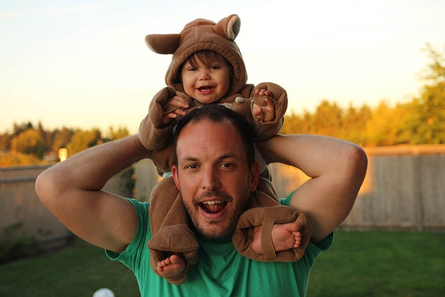 Alt-text: Dustin Lee and his oldest child, Elah, who helped inspire RetroSupply.