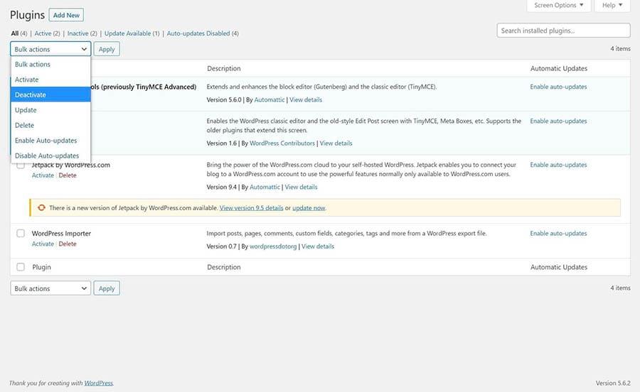 Desactivando todos los plugins en el panel de WordPress.