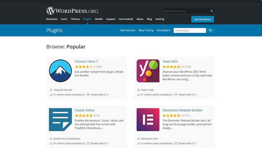 El WordPress.org plugin directory mostrando opciones populares.
