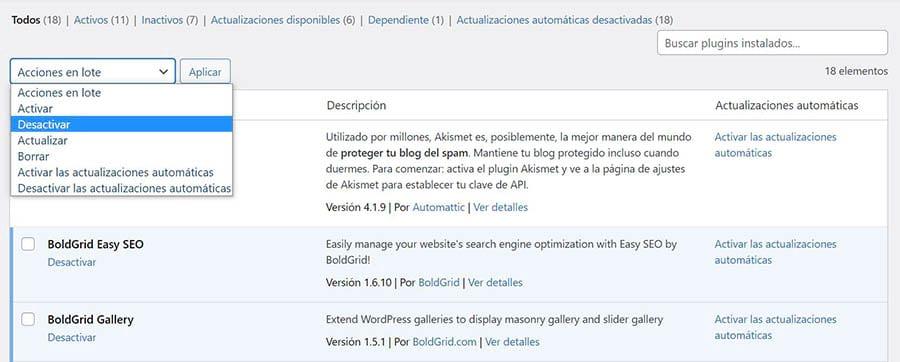 Desactivando plugins en el panel de WordPress