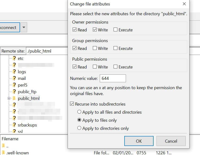 Cambiando los permisos de archivo en FileZilla.