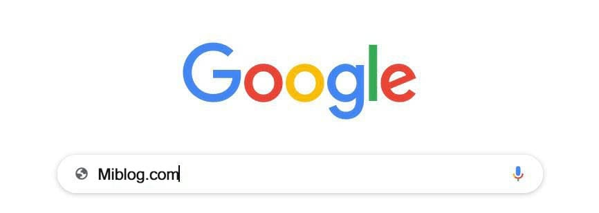 Escribiendo una dirección de sitio web en Google.