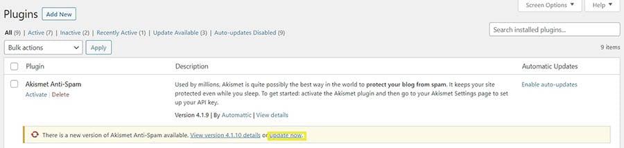 Actualizando plugins en WordPress.