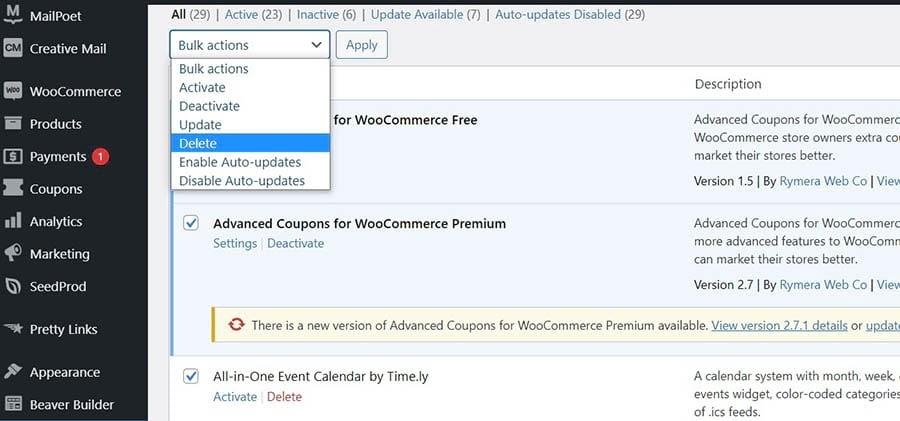 The WordPress plugin management page.